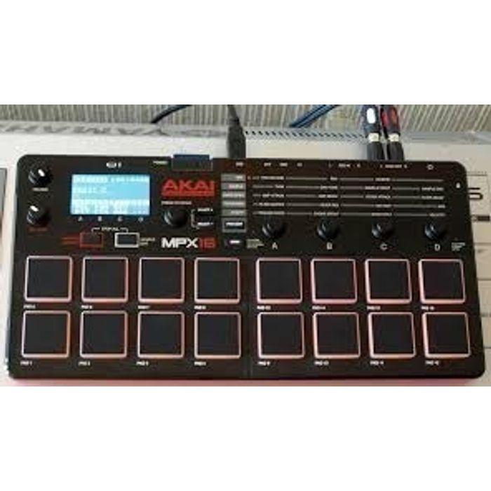Akai-Controlador-Midi-Usb-Sampler-Tarjeta-Sd-16-Pads-Mpx-16